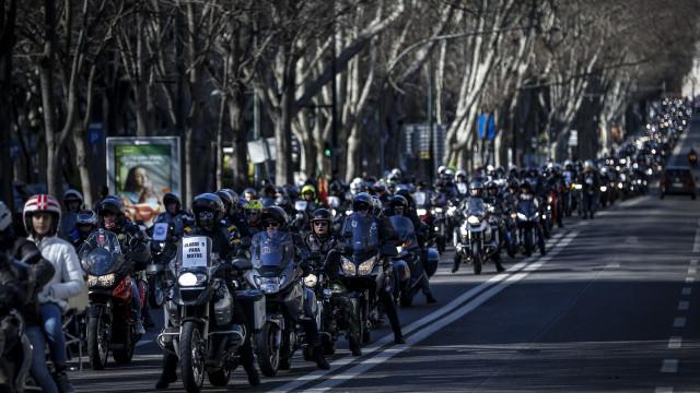 Milhares de motociclistas em protesto contra preço de portagens e IUC