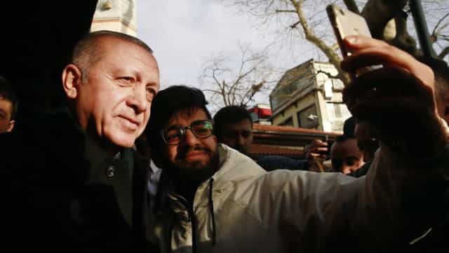 """Erdogan diz não compreender """"silêncio"""" dos EUA sobre Khashoggi"""
