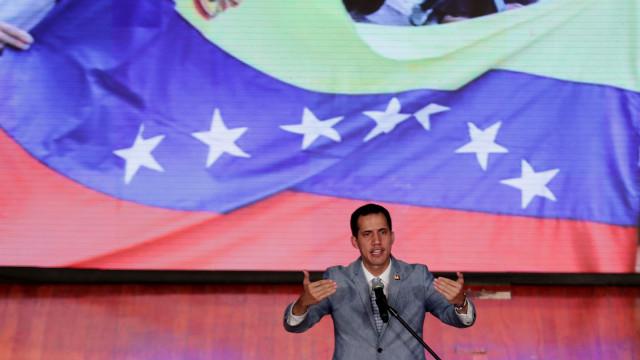 Guaidó admite intervenção militar dos EUA para acabar com crise no país