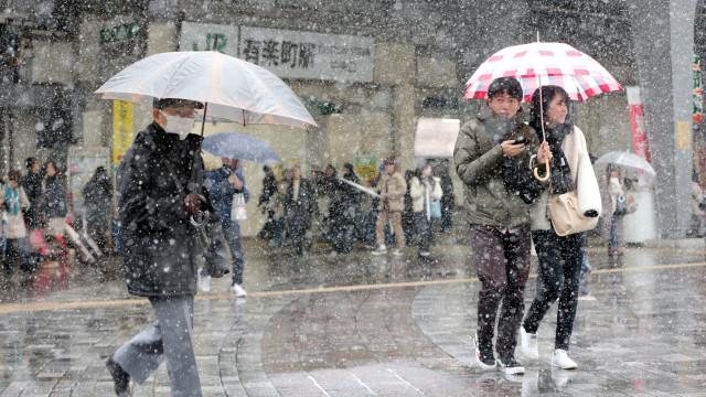 Fortes nevões provocam o cancelamento de mais de 100 voos no Japão