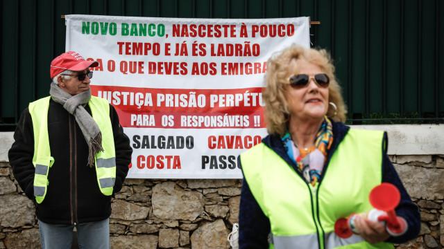 Coletes Amarelos e lesados do BES exigem devolução do dinheiro investido