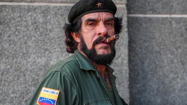 """""""Che bolivariano"""" disponível para lutar contra invasor se necessário"""