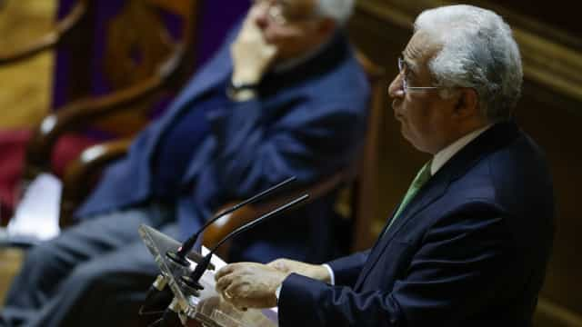 """Costa diz que moção de censura do CDS foi um """"nado morto"""""""