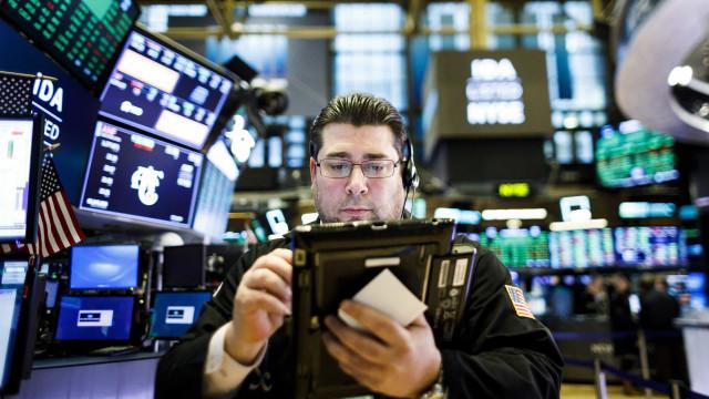 Wall Street fecha em alta graças a desanuviamento EUA-China