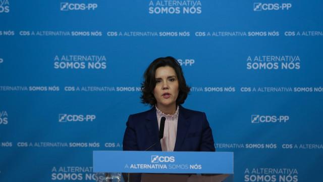 CDS desafia partidos a clarificarem posições e avisou Marcelo de moção