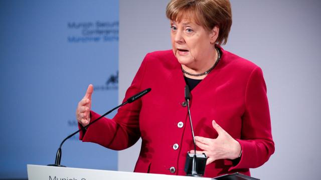 Rússia e extrema direita norte-americana são inimigos da Europa