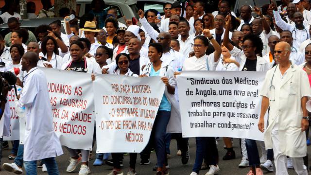 Médicos angolanos protestam por melhores condições de trabalho