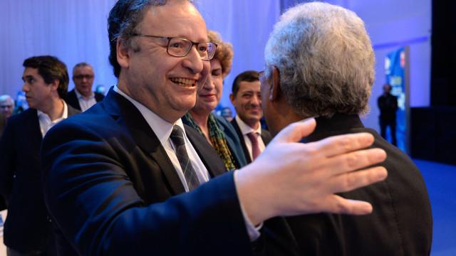 """Fora da lista do PS para Europeias, Assis quer contribuir para """"vitória"""""""