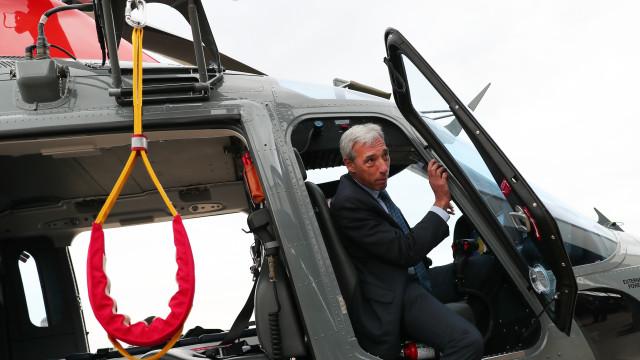 """Novos helis da Força Aérea """"não integram"""" dispositivo de combate a fogos"""
