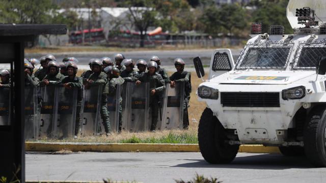 Aumenta para 13 o número de militares e de polícias que desertaram