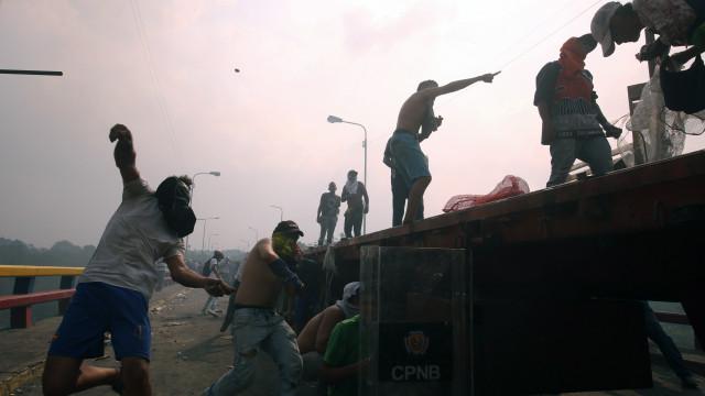 """Banho de sangue na Venezuela é """"risco diário e constante"""""""