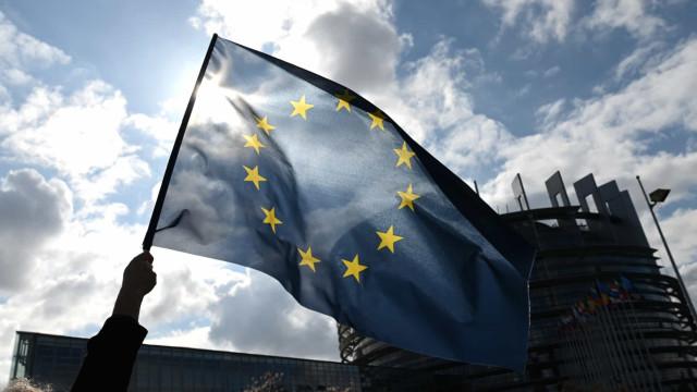 Incerteza no 'Brexit' leva Bruxelas a manter estimativas para Reino Unido