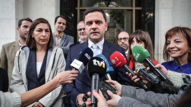 """Pedro Marques: Dos """"banhos de ética"""" de Rio às """"muitas faltas"""" de Rangel"""
