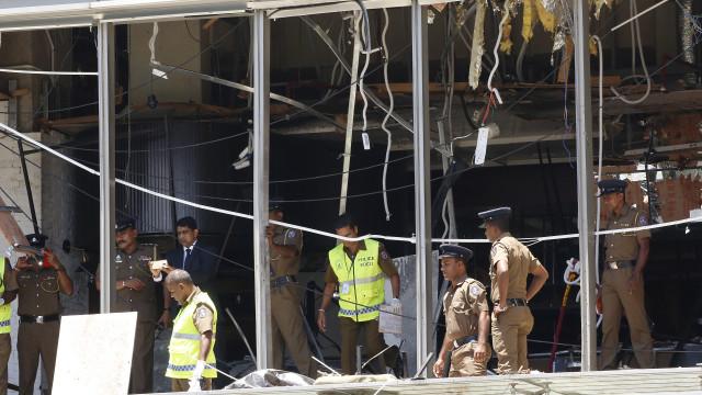 Governo do Sri Lanka decreta bloqueio temporário às redes sociais