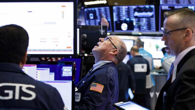 Wall Street fecha com recordes do Dow Jones, Nasdaq e S&P500
