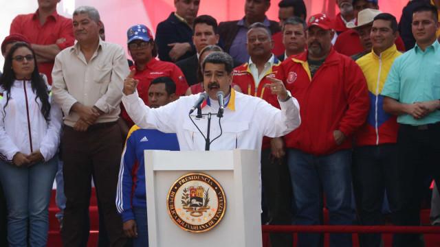Nicolás Maduro anuncia exercícios militares para defender a Venezuela
