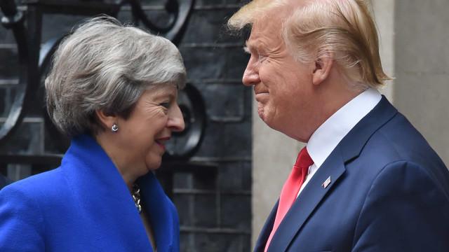 Trump elogia May mas diz que teria negociado Brexit de maneira diferente