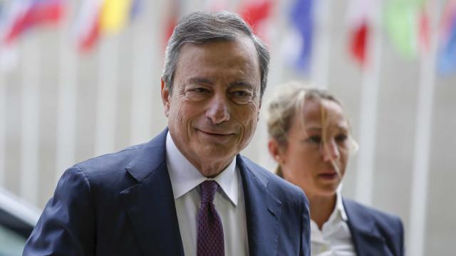Draghi promete estímulos adicionais para garantir estabilidade de preços