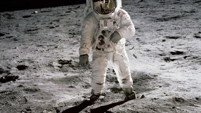 Voltar à Lua 50 anos depois para ir a Marte