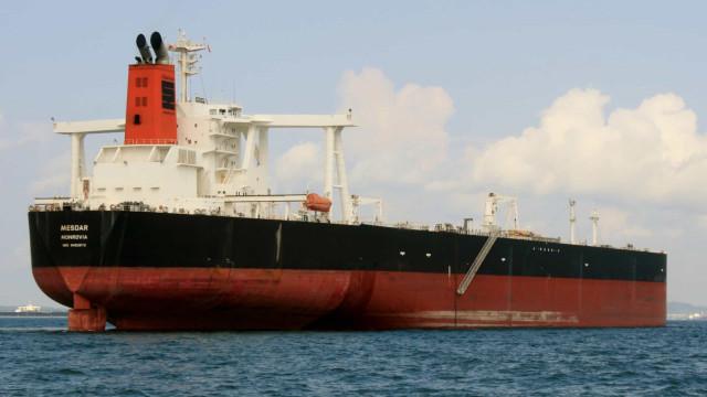 Irão capturou petroleiro britânico por ter chocado com barco de pesca