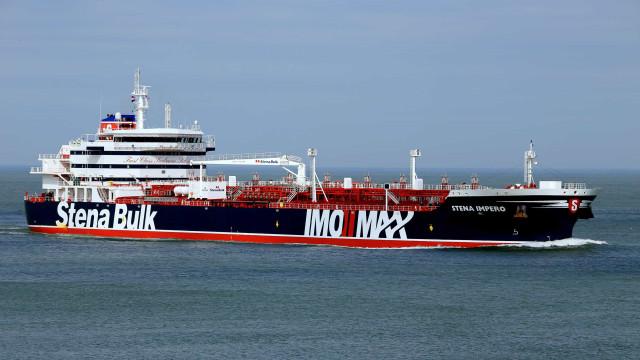 Londres aconselha navios britânicos a evitar estreito de Ormuz