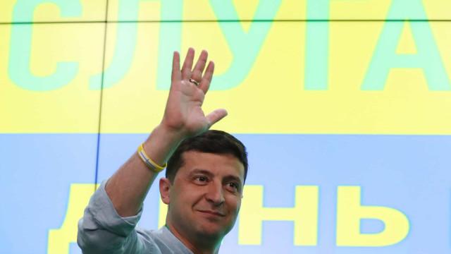 Confirmada maioria absoluta para Zelensky nas legislativas ucranianas