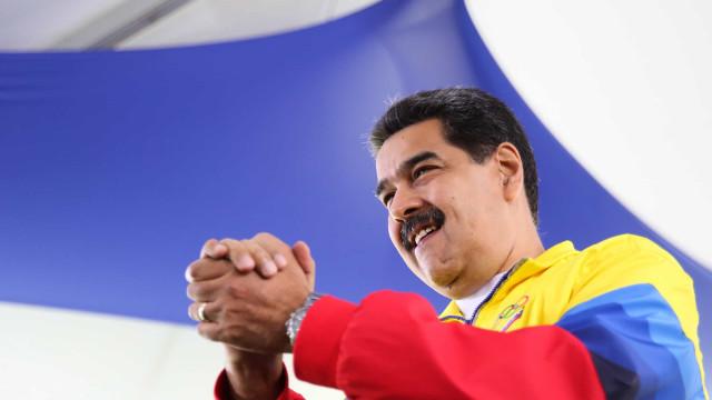 Maduro anuncia sistema de mísseis para defender fronteira com a Colômbia