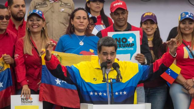 Maduro diz estar de pé apesar do assédio e agressões dos EUA