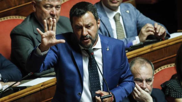 """""""Obsessão"""" de Salvini com migrantes diminuiu em 80% as chegadas a Itália"""