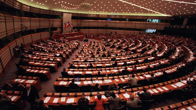 Parlamento Europeu vai votar acordo para avanço nas negociações do Brexit