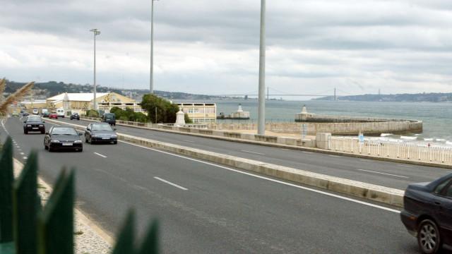Avenida Marginal está encerrada no sentido Cascais-Lisboa