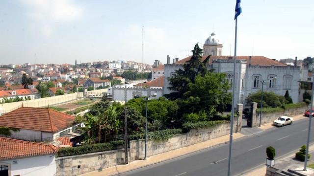 Caso de tráfico na prisão de Coimbra começa hoje a ser julgado