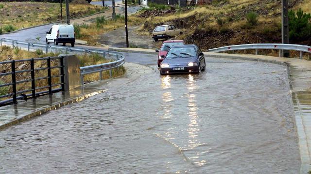Proteção Civil faz aviso à população pelo agravamento do estado do tempo