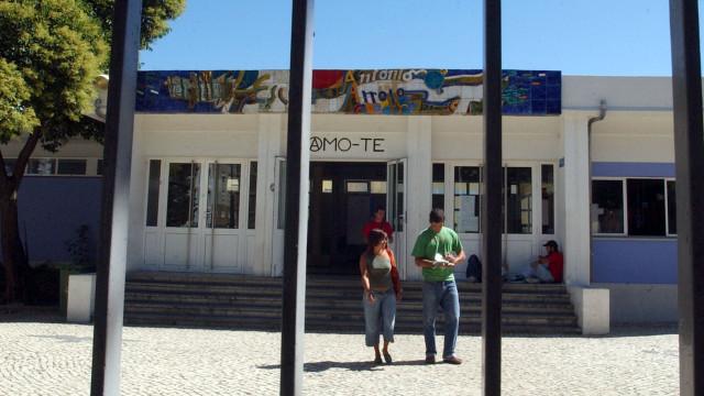 Escola António Arroio encerrada devido a problemas com eletricidade