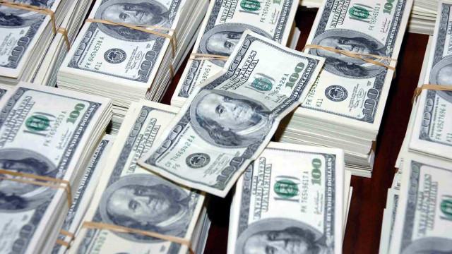 Angola já recuperou 500 milhões de dólares transferidos ilicitamente