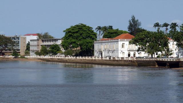 """São Tomé diz que situação económica do país é """"deveras crítica"""""""