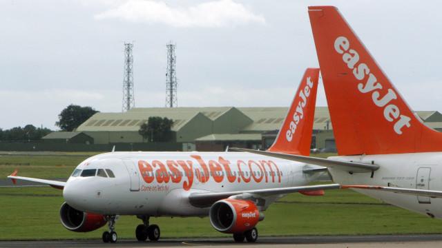 EasyJet compra 24 aviões à Air Berlin e absorve mil dos seus funcionários