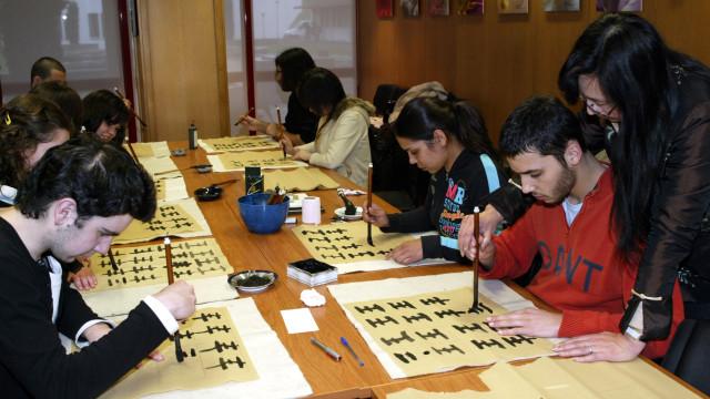 Começou com 14 alunos, hoje ensina mandarim a mil portugueses