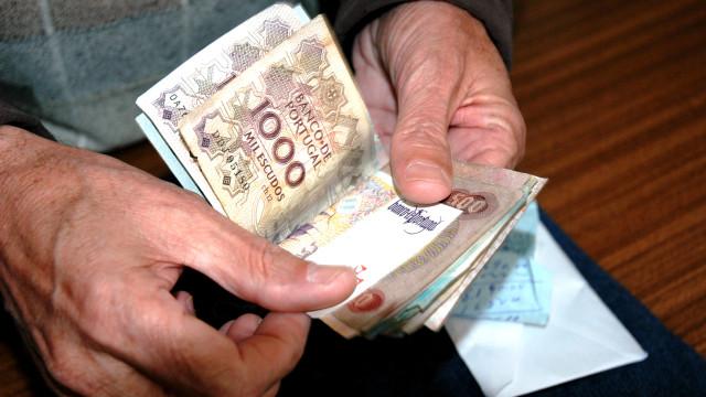 Portugueses trocaram quase 58 mil notas de escudo no final do ano