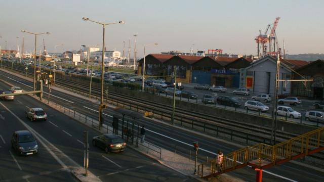 Seis feridos em confrontos que envolveram 14 jovens nas docas de Lisboa