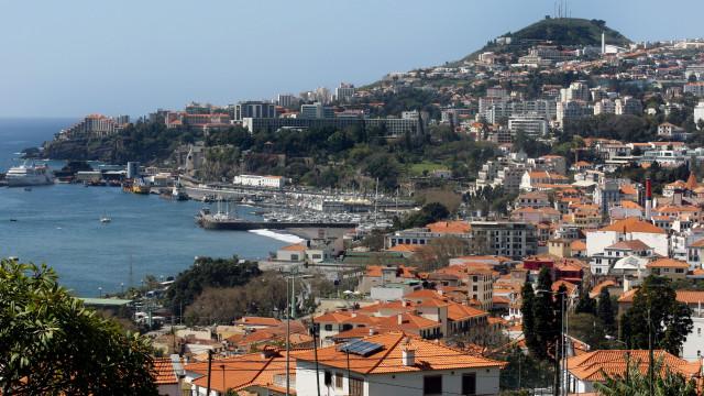 Governo prepara ligação marítima Madeira-continente