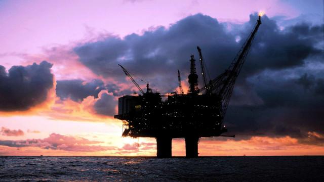 Produção de petróleo em Angola desce para 1,69 milhões de barris este ano