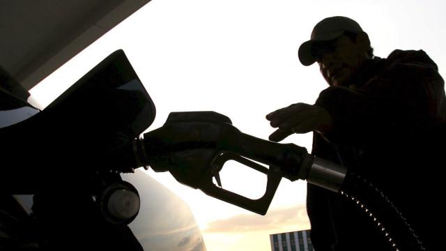 Angola importou 5 milhões em combustíveis por dia em agosto