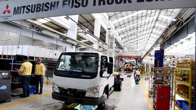 Trabalhadores da Mitsubishi Fuso em protesto por direitos laborais