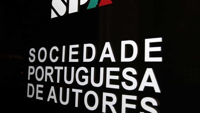 'O século dos prodígios' de Onésimo Teotónio Almeida vence prémio da SPA