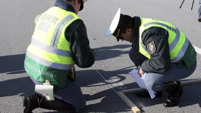 Sete feridos e trânsito cortado na A4 devido a colisão perto de Vila Real