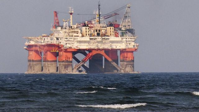 Angola encaixa 5 mil milhões em receitas fiscais oriundas do petróleo