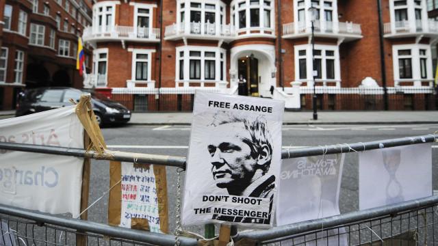 Presidente do Equador não vai falar do caso Assange na visita à Europa