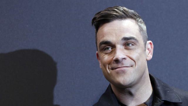 """Robbie Williams """"feliz"""" com a ideia da filha ser artista"""