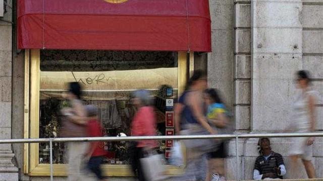 População residente em Portugal continua a diminuir